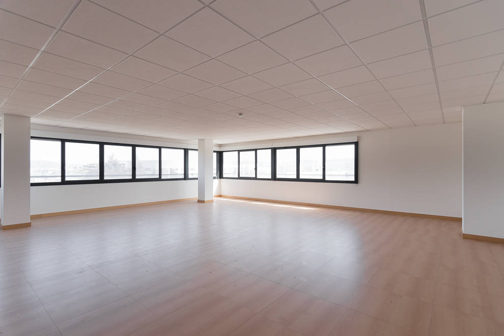 """Oficinas con garaje en el Centro Empresarial """"Portal de Navarra"""" de Noáin"""