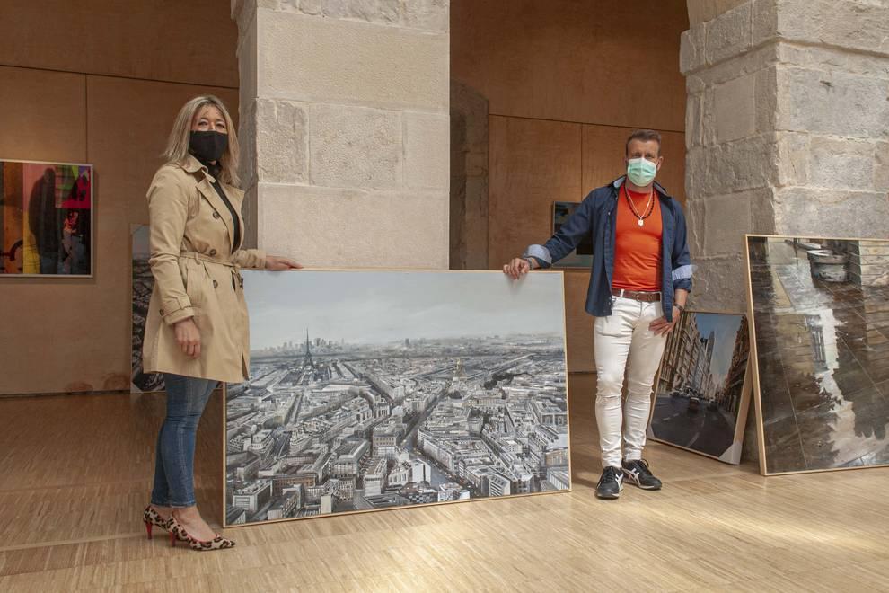 El pintor navarro Albert Sesma presenta sus paisajes urbanos en Cantabria