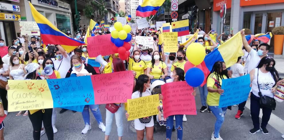 Más de 500 personas se manifiestan en Tudela en apoyo al pueblo de Colombia