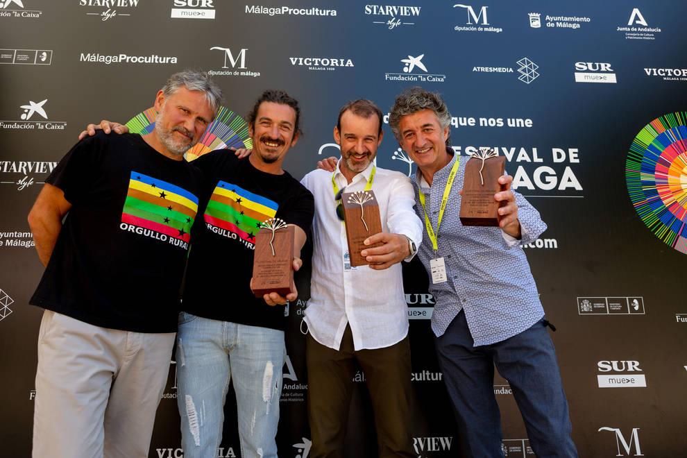 El cocinero Santi Cordón, su amigo, el permacultor malagueño Alberto Marín, Rafael García, productor de Basajaun y Patxi Uriz, director de Quijotes y semillas.