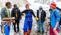 Zabalza, Iñurrategi y Vallejo rescatan a un montañero italiano en el G-II