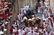 Fotos de los momentos más peligrosos del primer encierro de San Fermín