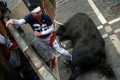 Las imágenes del mozo aplastado contra el vallado en Mercaderes por un Jandilla