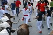 Imágenes del tercer encierro de fiestas de Tafalla 2018, 17 de agosto