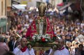 San Fermín Txikito. Fotos de la salida de los Gigantes, dantzaris y procesión