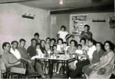 Cuadrillas y familias de Fitero reunidas en torno a las patatas a la Manarra