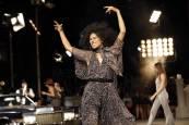Tommy Hilfiger y Zendaya recrean el glamur de los 70 en el Apollo de Nueva York