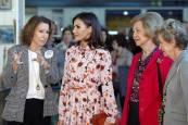 Las reinas Letizia y Sofía, en el rastrillo de Nuevo Futuro