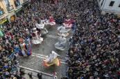 Procesión de San Saturnino y salida de gigantes en Pamplona