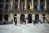 Navarra homenajea a las víctimas del coronavirus con tres minutos de silencio