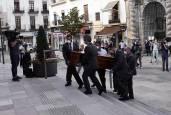 Cientos de cordobeses despiden a Julio Anguita