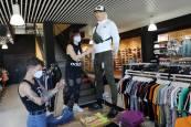 Fotos de comercios de más de 400 metros cuadrados que ya abren en Navarra