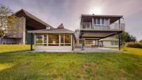 Ulzama: luz, diseño y tradición. Se vende espectacular casa con terreno de 9.000 m2