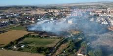 Un incendio sin heridos en una zona de campo junto a Mercadona en Tudela