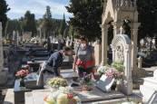 Fotos del Día de Todos los Santos en el cementerio de Tudela