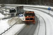 Media Navarra se tiñe de blanco por la nieve