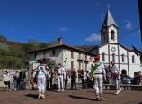 Cuatro bolantes bailan en Valcarlos