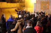 Fotos de la llegada del coche fúnebre con el cuerpo de David Beriáin a Artajona