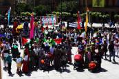 Fotos de la concentración en Pamplona por el Dia Internacional de la Diversidad Cultural