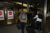 Fotos de la llegada del personal de confianza de Brahim Ghali al aeropuerto de Pamplona