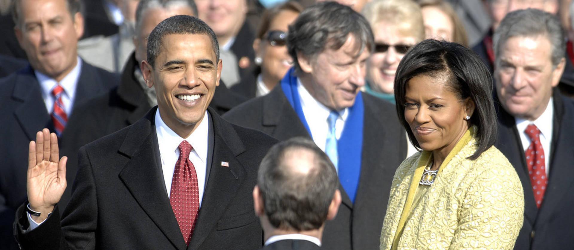 La crisis económica y el ansia de cambio encumbran a Obama (2008)