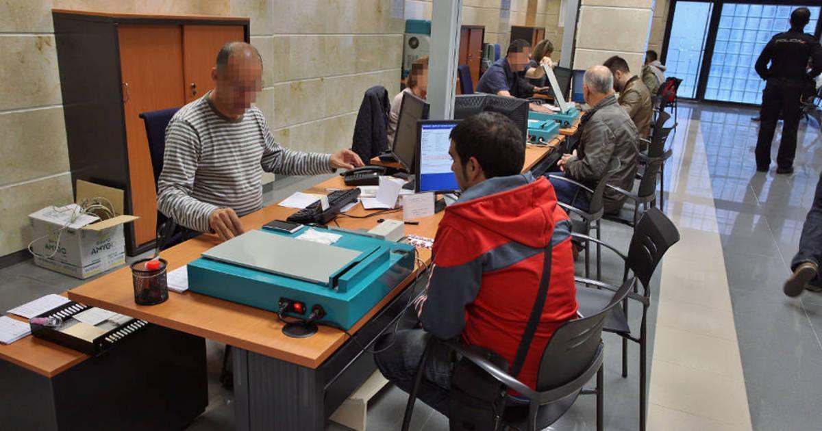 Policía Nacional refuerza el servicio de DNI en Pamplona y Tudela