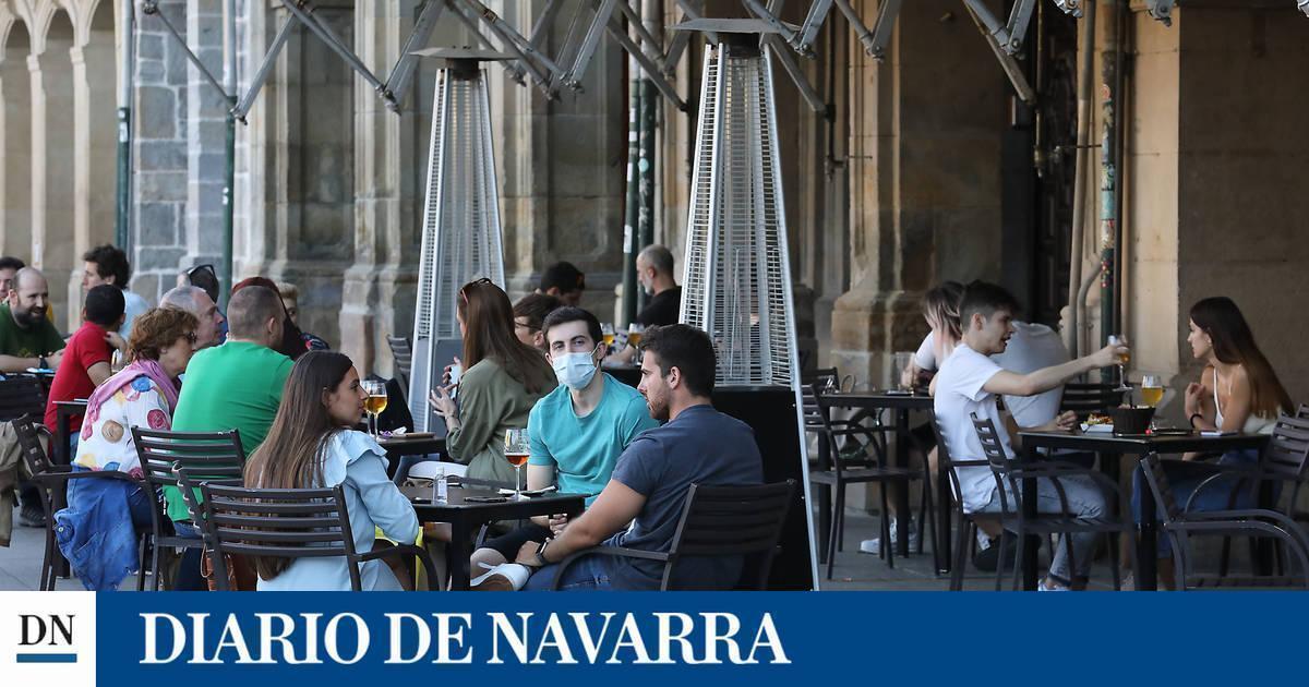 El Gobierno de Navarra estudiará prohibir fumar en espacios públicos